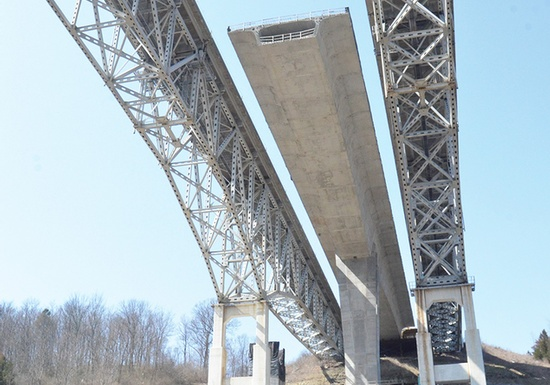 Figure 8 – Jeremiah Morrow Bridge reconstruction. (Photo Courtesy of HNTB Corporation).